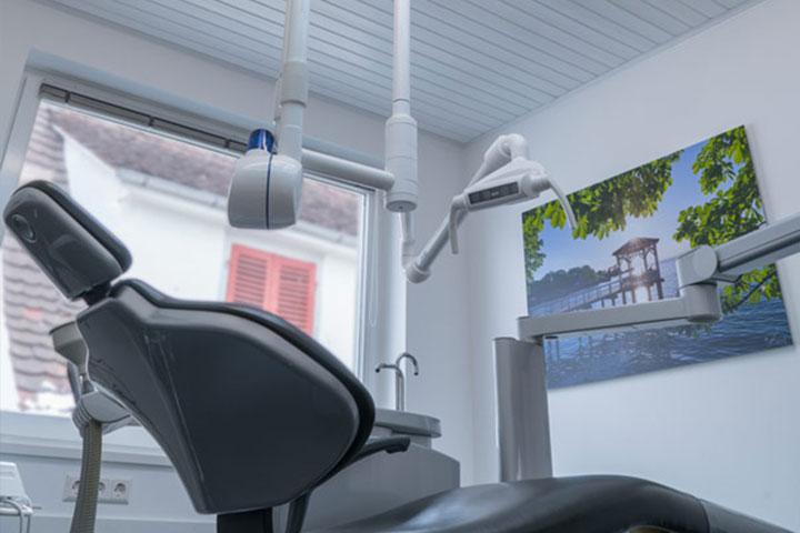 Behandlungsraum Dr. Loher in Ludwigshafen am Bodensee